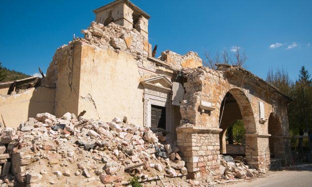 I lavori eseguiti dai privati per la ricostruzione a seguito del terremoto del 2016 non sono pubblici